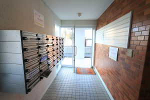 Fare+岸の上136号室 おもてなし不動産 新居浜 賃貸管理 マンション ファーレ 2LDK 共用部